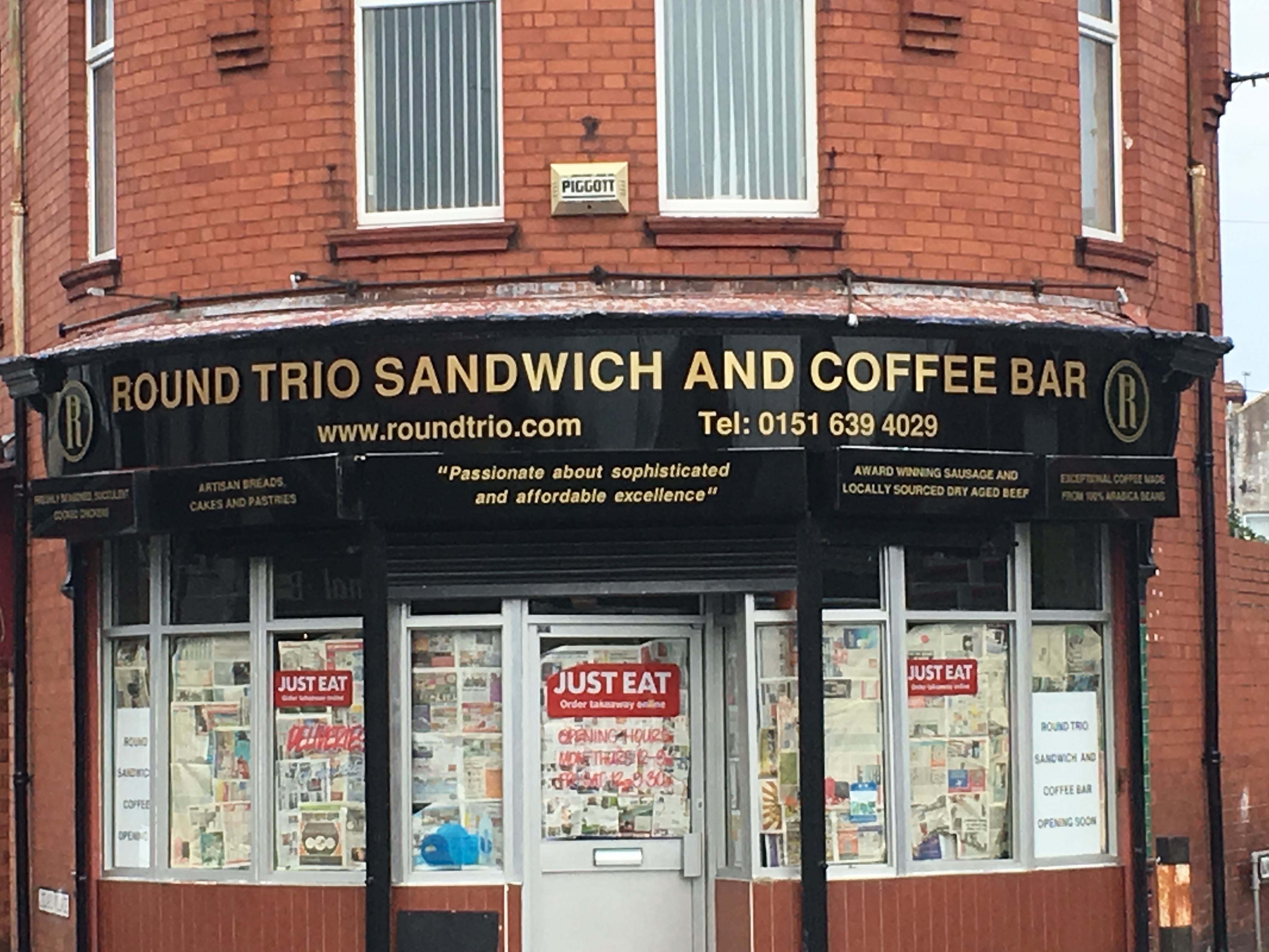 Round Trio Sandwich & Coffee Bar